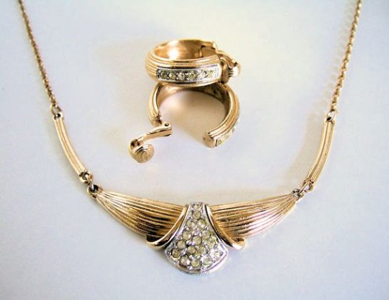 Designer Vintage Sarah Coventry La Belle Parure Necklace, Earrings, Cocktail Ring, Gold Plate and Rhinestones, all Signed