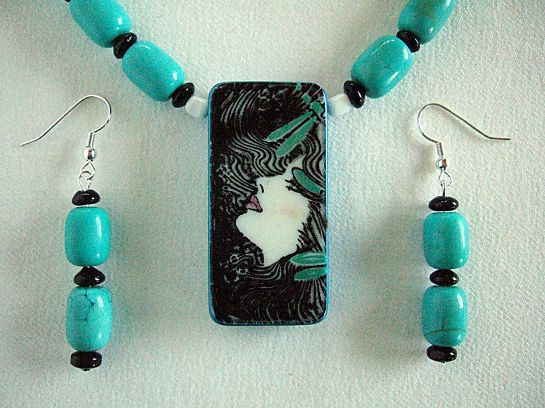 Debbies domino pendant necklace turquoise close up   DSCF8135