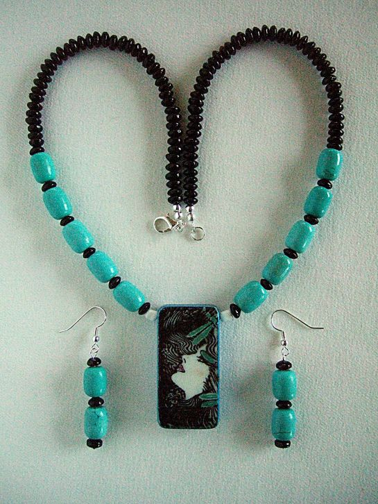 Debbies domino pendant necklace turquoise front    DSCF8138