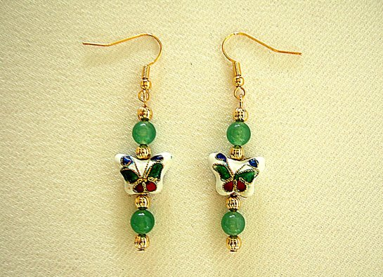 Green 6 mm butterfly earrings cropped   DSCF9865